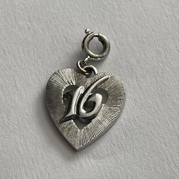 VTG Monet Sixteen Heart Charm